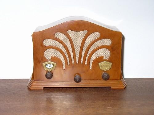 Radiopron 3V, una radio con clase