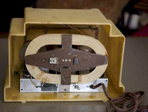 Radio Addison 5F vista trasera