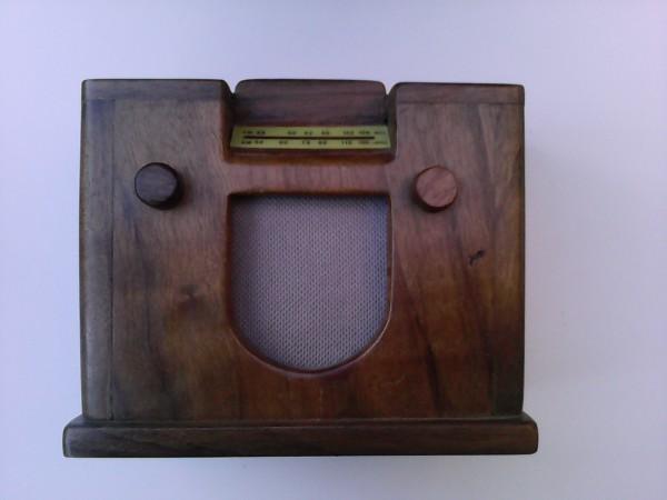 Radio en miniatura Watt mod. Vittoria