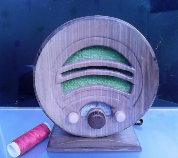 Radio en miniatura Ekco AD36