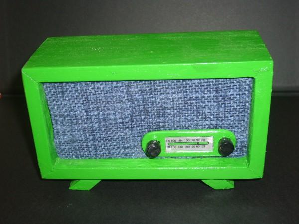 Radio en miniatura retro