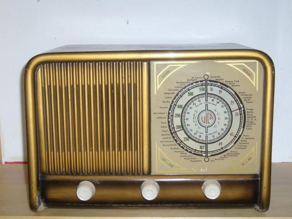 Radio Vica modelo 240