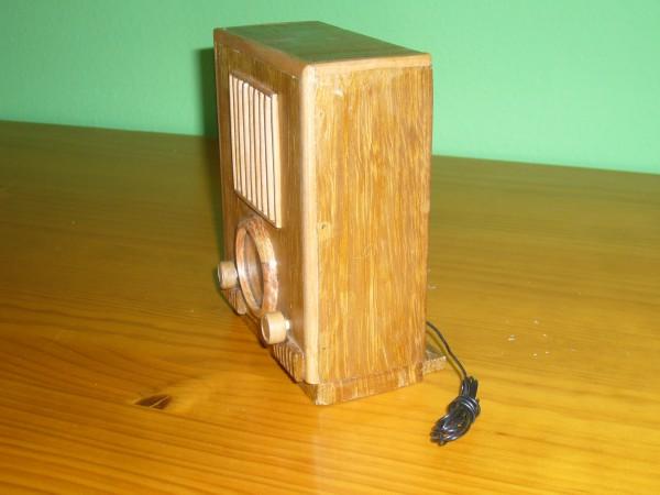 radio en miniatura años 30