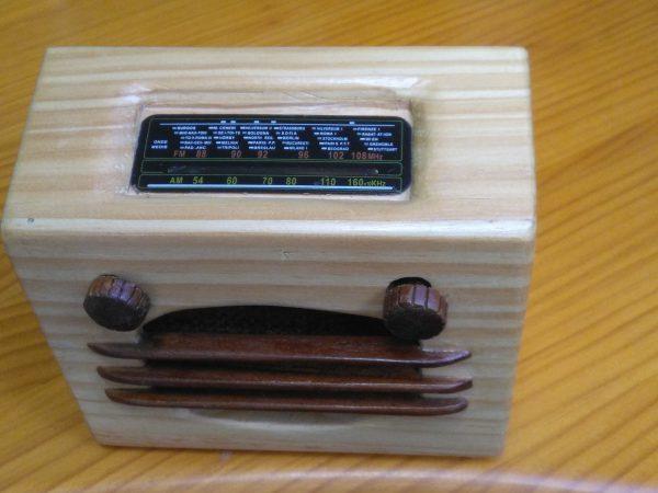radio en miniatura de diseño propio