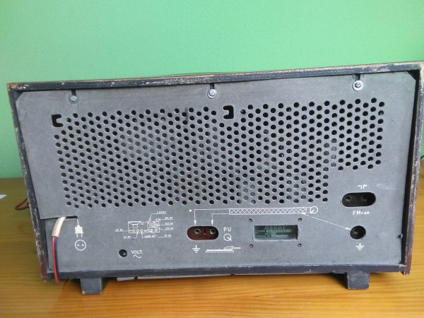 Radio Askar modelo AE1432A