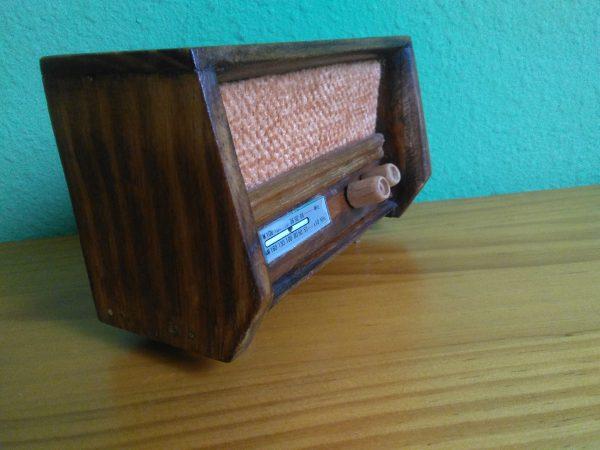Radio en miniatura