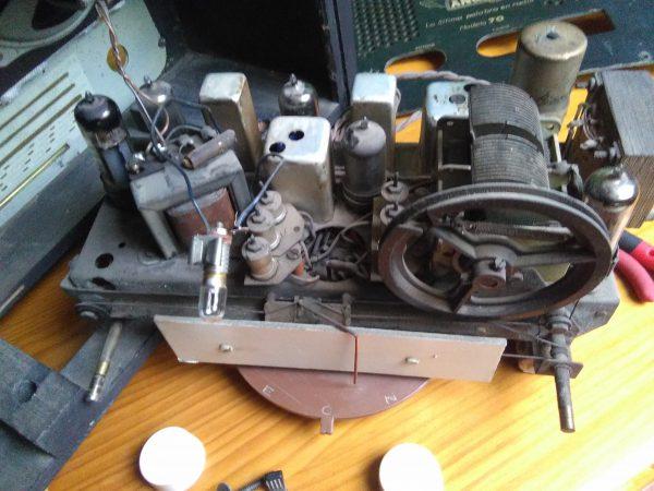 Chasis radio Anglo modelo 70B