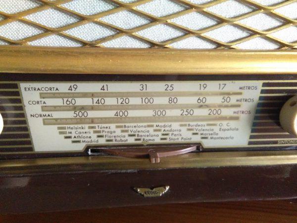 Dial Radio Anglo modelo 70B