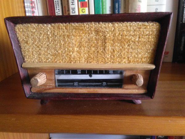 radio en miniatura años 50