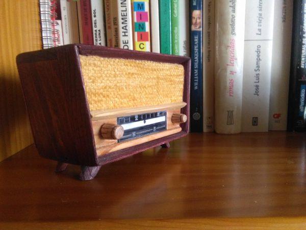 radios en miniatura años 50