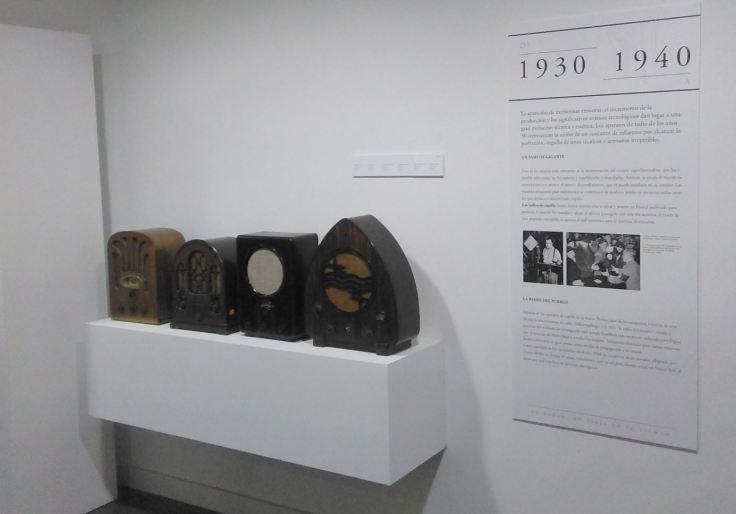 Exposición La radio Un viaje en el tiempo radios años 40