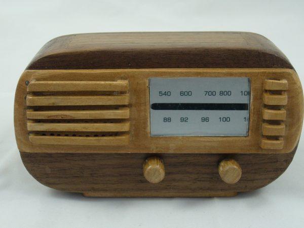 Radio en miniatura Watt. WR1155