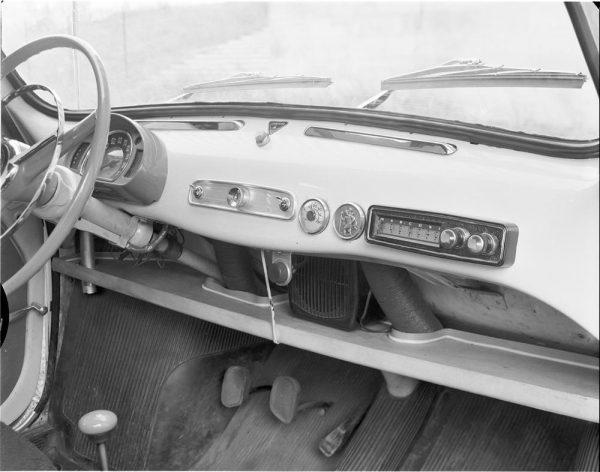 Auto radio Marconi en Seat 600